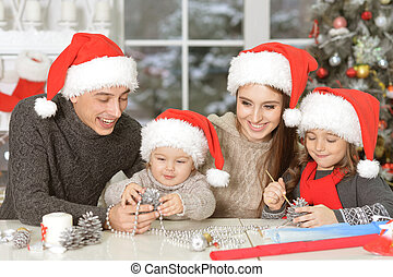 fin, santa, chapeaux, portrait famille, haut