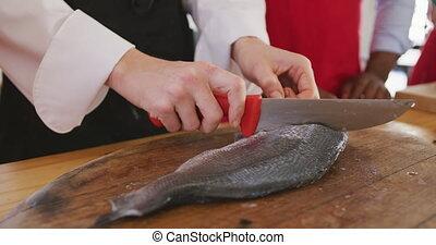 fish, chef cuistot, découpage