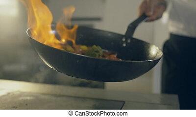 flambe, légumes, restaurant, haut, chef cuistot, fin, cuisine
