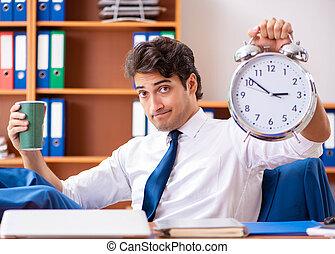 fonctionnement, employé, bureau, jeune