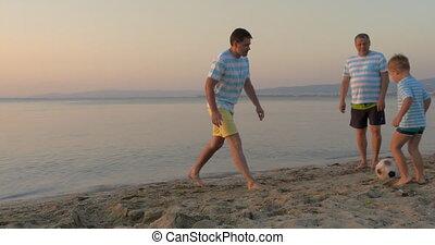football, hommes, trois, plage, jouer, générations