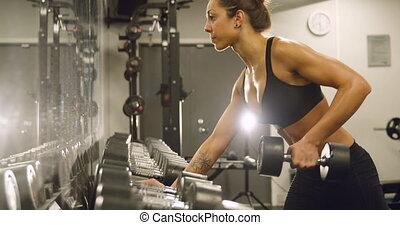formation, femme, gymnase, dédié, poids, fitness, levage