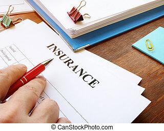 formulaire, lit, homme, assurance, signing.