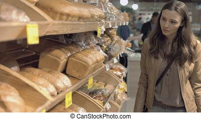 frais, femme, achat, supermarché, pain