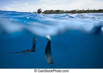 freediver, surface, océan