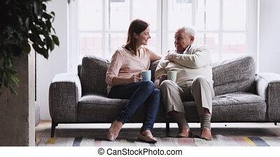 générations famille, coffee., matin, heureux, boire, différent, bavarder