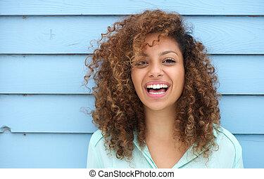 gai, femme souriante, jeune, africaine