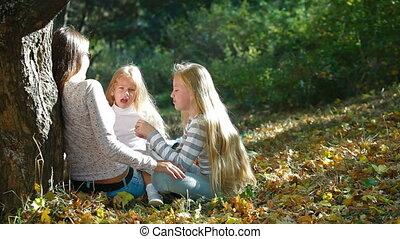 gai, parc, jeune famille