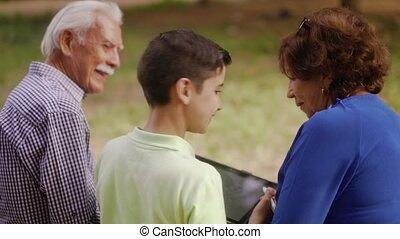 garçon, école, grands-parents, 9-happy, étudier, devoirs