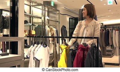garçon, achats femme, enfant, veste, mère, achat vêt