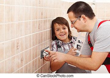 garçon, aider, sien, mur, père, jeune, installation, électrique, accessoires