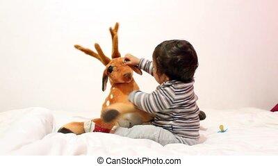 garçon, jouet, bébé, cher, doux, jouer