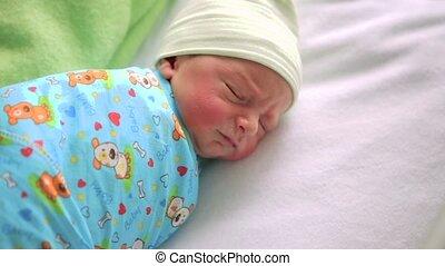 garçon, nourrisson, bassinet., room., hôpital, peu, dormir, nouveau né, chevet, bébé