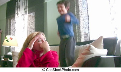 garçon, peu, énergique, bruyant