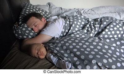 garçon, sien, père, nouveau né, sommeil, bébé