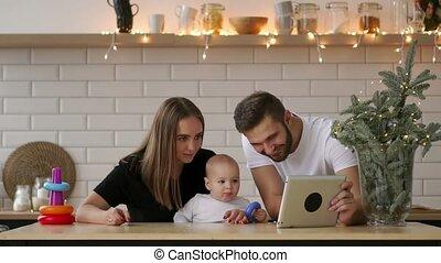 garçon, tablette, parents, numérique, bébé, jouer