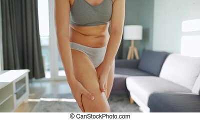 gel, jambe, smears, elle, femme, self-massage, anti-cellulite