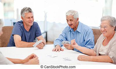 gens, cartes, retiré, jouer ensemble