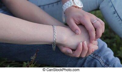 gens, deux, tenant mains