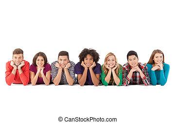 gens, gens., jeune, isolé, gai, quoique, multi-ethnique, désinvolte, devant, blanc, sourire, mensonge