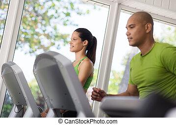 gens, gymnase, jeune, exercisme, courant, tapis roulant