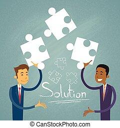gens, homme affaires, business, puzzle, deux, solution, résoudre