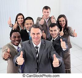 gens, projection, pouces, regarder, appareil photo, sourire, business, haut