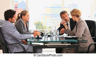 gens, réunion, pendant, quatre