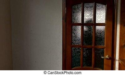 gens, salle, porte, bois, silhouettes, après, conversation