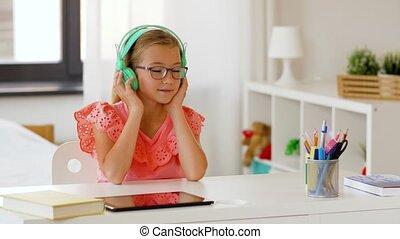 girl, écoute, maison, musique, écouteurs
