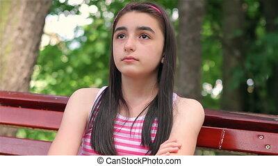 girl, appareil photo, enfant triste, regarder