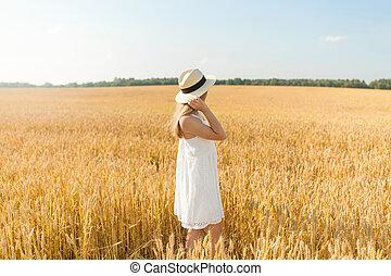 girl, chapeau été, paille, champ, portrait