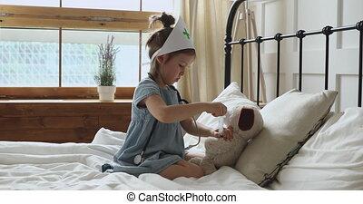 girl, docteur, être, jouer, petit, feindre, alone., chambre à coucher