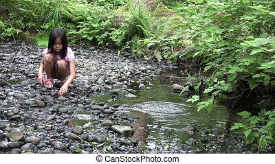 girl, jets, asiatique, ruisseau, rochers