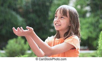 girl, jouer, pluie