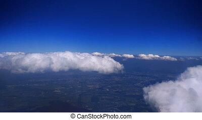 gonflé, nuages, au-dessus