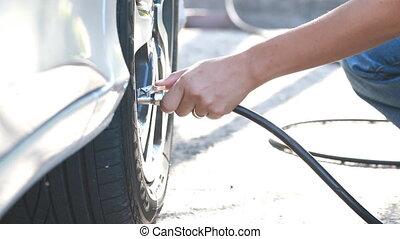 gonfler, pneu, voiture