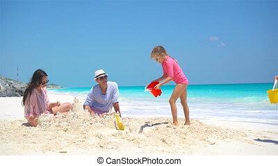 gosses, famille, deux, exotique, sable, confection, plage château