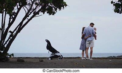 gosses, famille, deux, exotique, sable, plage blanche