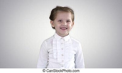 gradient, arrière-plan., enfant riant, girl, heureux