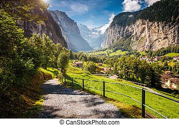grand, alpes, beauté, alpin, lauterbrunnen, endroit, emplacement, village., suisse, mondiale, europe., vallée, vue