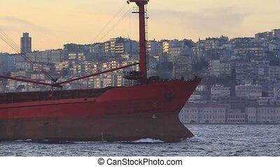 grand, bateau, cargaison, rouges
