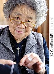 grand-mère, couture