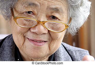 grand-mère, heureux