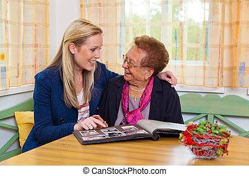 grand-mère, petit-enfant, visites
