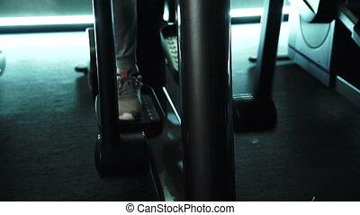gros plan, formation, machine, gym., elliptique, pied