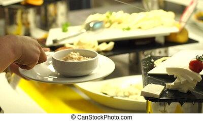 gros plan, girl, prend, restauration, coupé, buffet., cheese., pinces