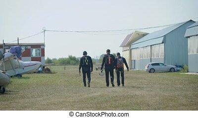 groupe, avion, parachutistes, aérodrome, croisement, sport., saut, prêt, extrême