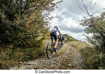groupe, cyclistes, mountainbike, sports