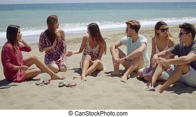 groupe, hommes, jeune, divers, plage, femmes